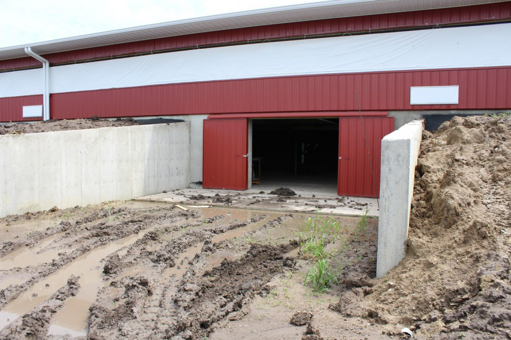 Access door to manure pit