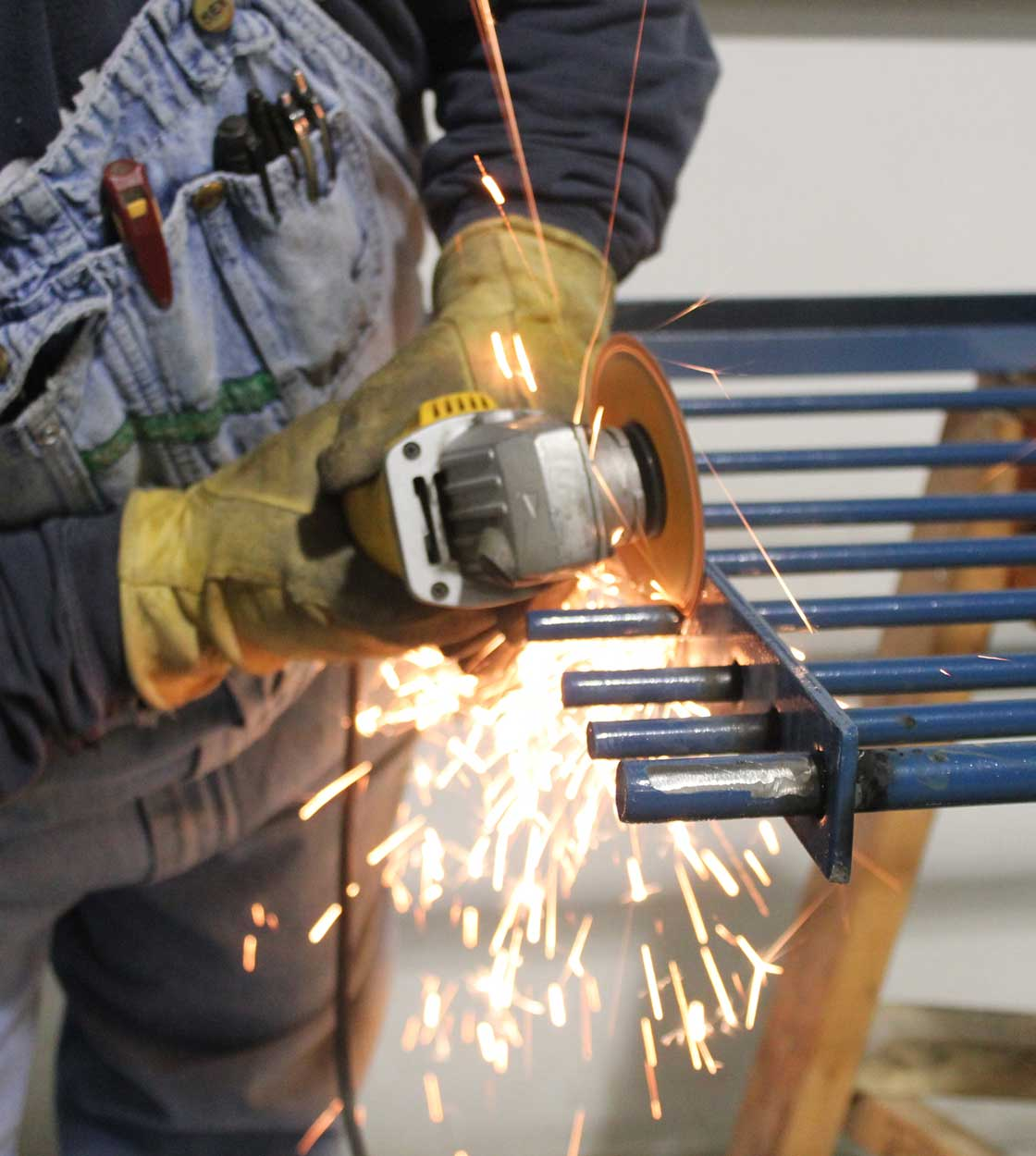 Hog Slat Cut & Weld gating panels provide the ability to construct customized DIY penning solutions right on the farm.