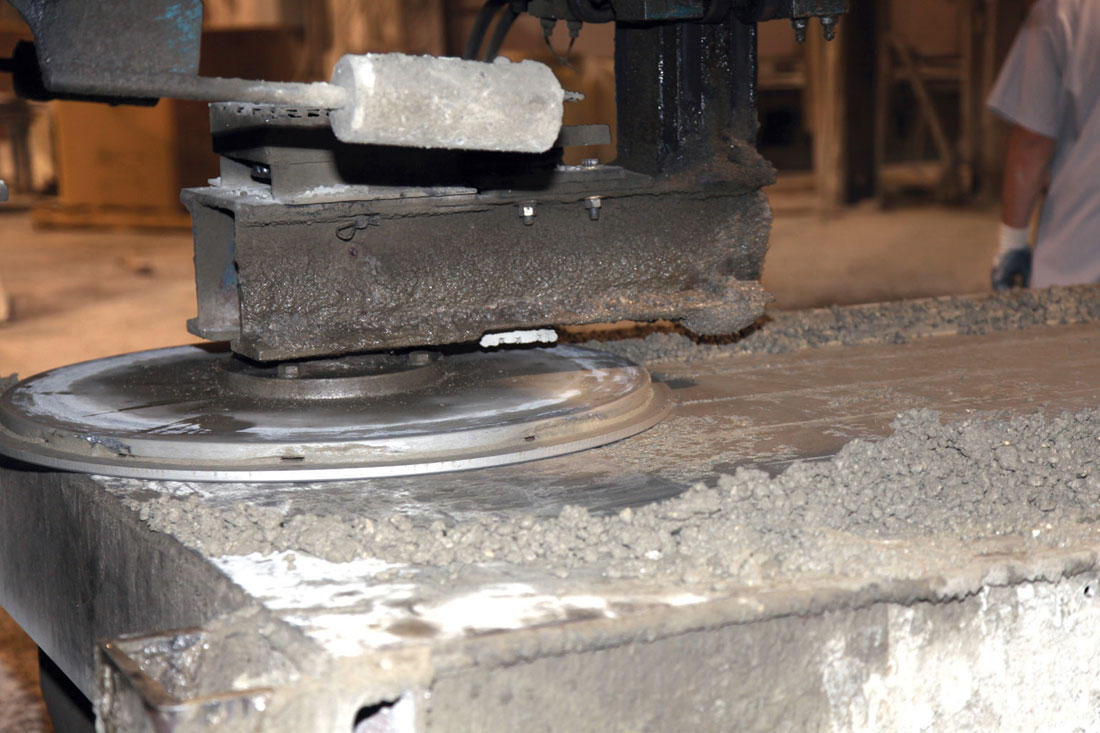 Spinning ROTOSCREEDS allow us to work our ZERO slump dry-cast concrete mixture, resulting in a stronger, flatter and more uniform slat than wet-cast slats from other manufacturers.