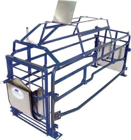 Hog Slat's Sampson farrowing crate's design has been delivering field-proven, pig saving results pork producers can rely on for over 25 years. Available in painted or galvanized finishes.